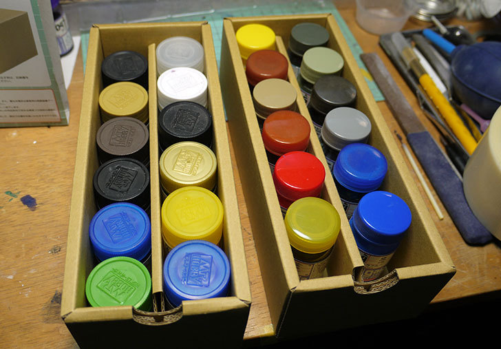 Mr.カラー&水性ホビーカラー収納BOXがamazonアウトレットに有ったので買った9.jpg