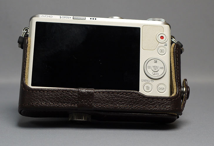 Panasonic-DMW-CGBM-T-本革ボディケース-ルミックス-ブラウンを買った13.jpg