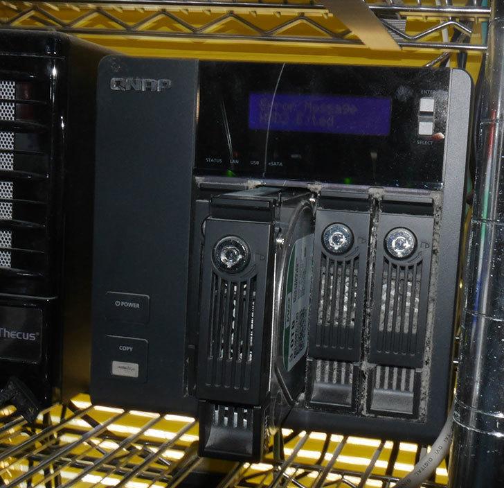 QNAP-TS-439-Pro-II+-のHDDが壊れたので交換した1.jpg