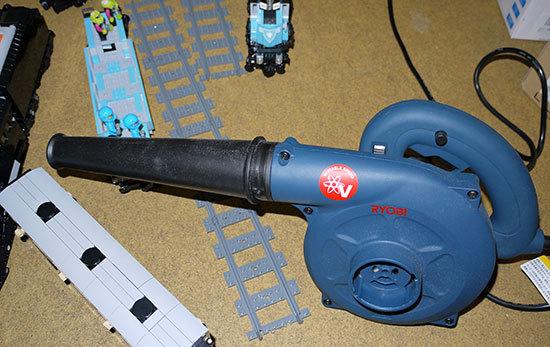 RYOBI-BL-3500Vをレゴ掃除に使ってみた1.jpg