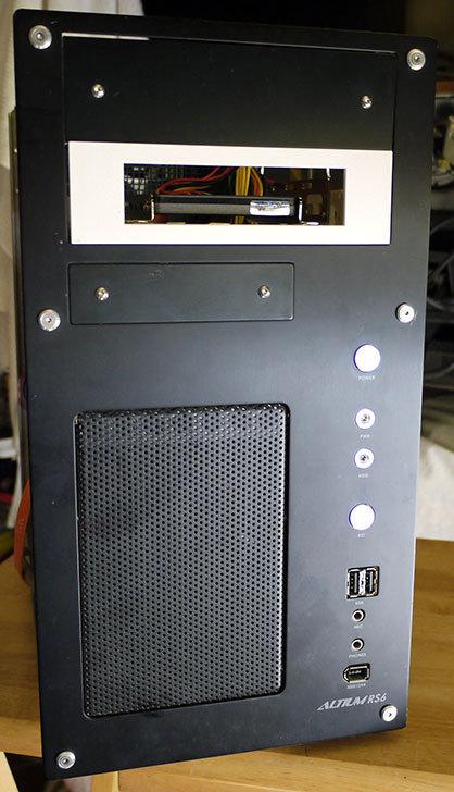 SSDにSANWA-SUPPLY-TK-HD25-2.5-HDD変換マウンタを取り付けた5.jpg