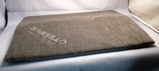 TEMPUR ベッドバックサポート(腰枕 )1.jpg