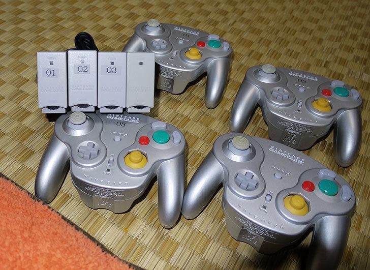 Wii-U用ゲームキューブコントローラ接続タップにウェーブバードを4台接続してみた1.jpg