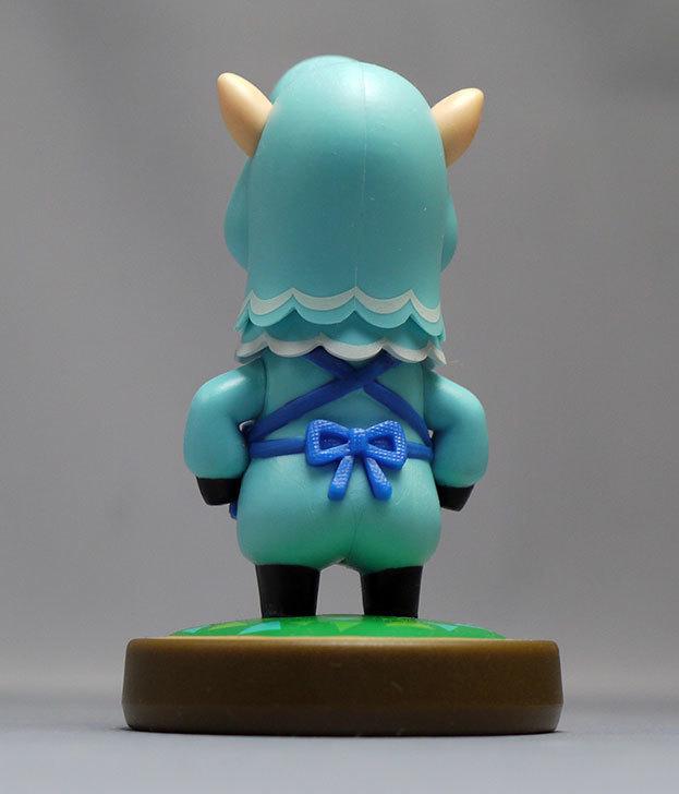 amiibo-カイゾー-(どうぶつの森シリーズ)をパッケージから出したので写真を撮った14.jpg