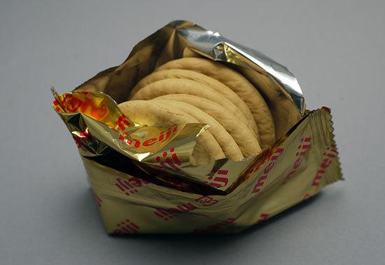 meiji-ダイエットビスケット-ほんのり甘いバター風味を買って来た4.jpg